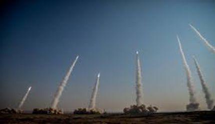 فیلم/ شلیک موشکهای بالستیک سپاه به عمق اقیانوس هند