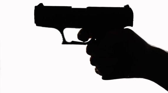 چرا ما نمی توانیم درباره ی کنترل اسلحه در آمریکا سخن بگوییم؟