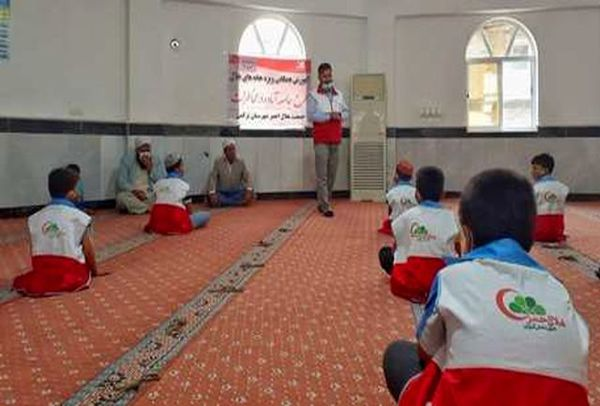 آموزش بیش از ۱۷۰۰ نفر در خانه های هلال گلستان در شهریور و مهر ماه سال جاری