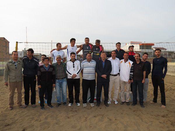 قهرمانی تیم والیبال ساحلی آجیل و خشکبار عارف در رقابتهای کاپ آزاد ساحلی بندرترکمن