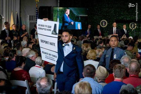قطع سخنرانی ترامپ با فریادهای یک معترض + تصاویر