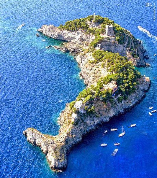 عکس/ جزیرهای دیدنی در ایتالیا