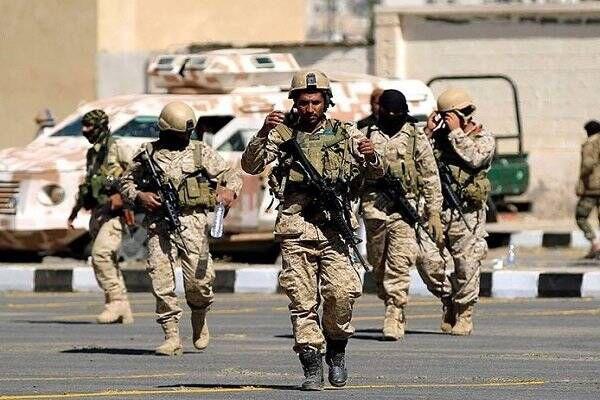 فیلم/ خروج نظامیان سعودی از مرکز جزیره سقطری یمن