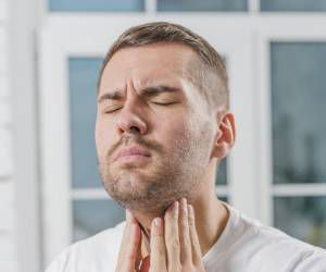 بیماران تیروئیدی گرفتگی صدا را جدی بگیرند