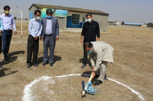 کلنگ پروژه ساخت دبستان 6 کلاسه روستای سلطانعلی در شهرستان گنبد کاووس به زمین زده شد