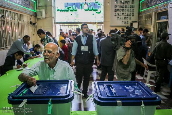 حضور مردم در انتخابات به عملکرد مدیران دستگاههای اجرایی ارتباط مستقیم دارد