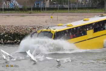 سقوط اتوبوس در آب