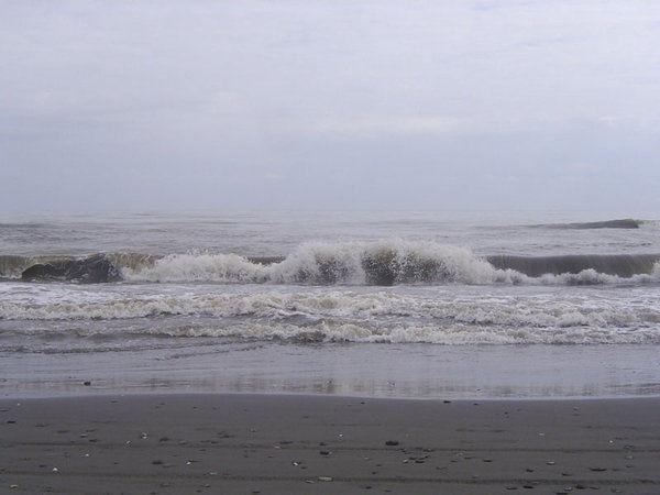 ورود سامانه بارشی به گلستان/احتمال وزش باد شدید و طوفان در دریا
