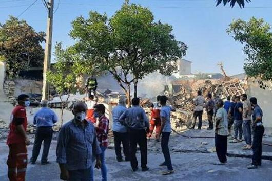 آتش سوزی سه منزل مسکونی و مصدوم شدن ۴ نفر در بندرگز