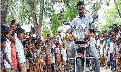 بدترین تنبیه یک معلم +عکس