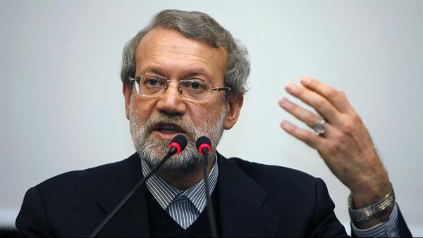 لاریجانی: مشکل بلندگو در جمهوری اسلامی حل نمیشود!/فیلم