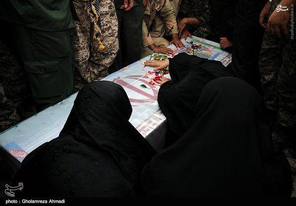 عکس/ تشییع  شهید مدافع حرم حبیب الله قنبری یکی از شهدای خانطومان در بهشهر