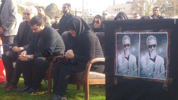 عکس/ همسر و پسر پورحیدری در مراسم تشییع