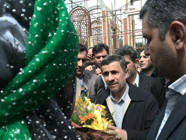 عکس/ سفر احمدی نژاد به شهرکرد