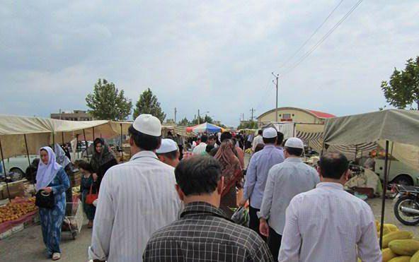 برای رفع تقارن بازار هفتگی و نماز جمعه در گنبد چاره اندیشی شود