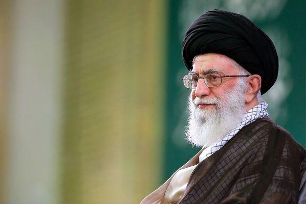 قدردانی رهبر انقلاب از روحیه بالا و امیدبخش مرحوم کشاورز