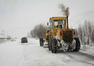 ۳۴۰ نیروی راهداری مشغول برف روبی در محورهای کوهستانی گلستان