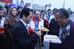 استقبال فرماندار گرگان از مسافران نوروزی/تصاویر