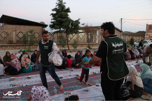 1500 نفر از مردم سیل زده آق قلا میهمان سفره های افطاری ساده شدند