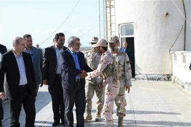 بازدید رئیس شوراى امنیت کشور از مرزهاى استان گلستان