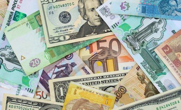 افزایش نرخ رسمی یورو کاهش و پوند